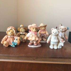 Set of 6 Cherished Teddies collectibles figurines